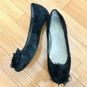 Me Too black suede ballet flat Thyme14 sz 8